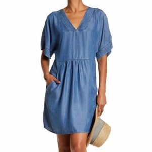 Bobeau Chambray Shift Dress | Tencel Pockets Large